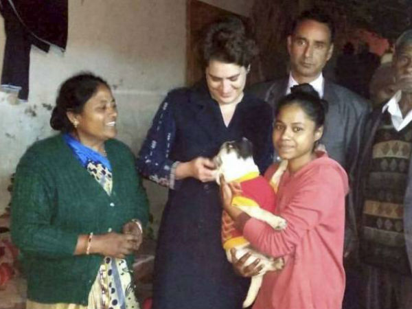 Priyanka Gandhi kicks off campaign for Lok Sabha elections 2019, visits slum dwellers in Delhi