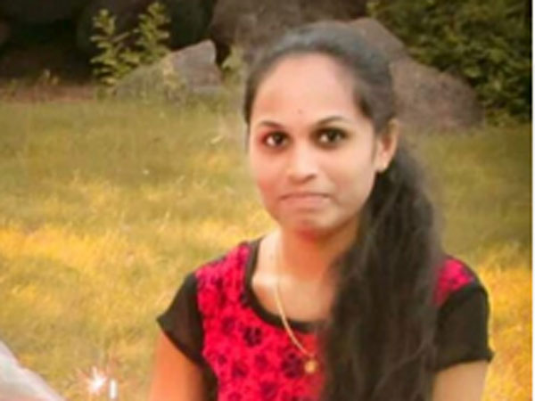 Ravali, the woman who was set on fire by a stalker today