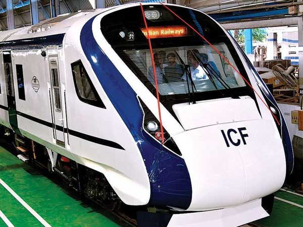 Indias fastest train, Vande Bharat express, breaks down day after launch