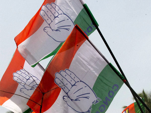 two more senior out from t congress..! problem for t congress before lok sabha polls..!!