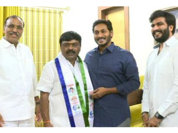 Tollywood director Dasari Narayana Rao son Arun Kumar joined in YSRCP