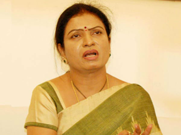 The Congress was collapsed by party leaders ,DK Aruna