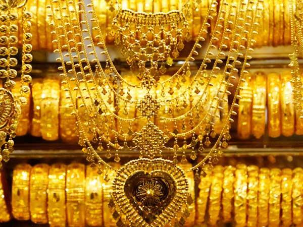 A huge amount of gold seized at Shambhad Airport