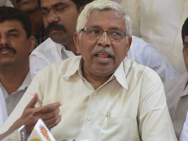 Will Kodandaram agree to fight with Kavitha in lok sabha polls ? This is the Congress strategy ?