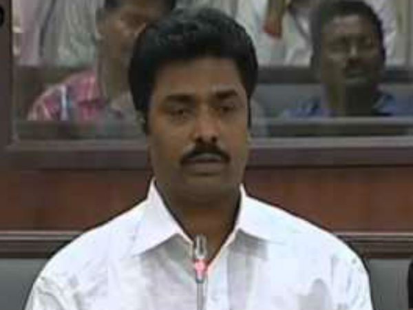 YCP MLA threateans to suicide if he was not given Poothalpattu ticket