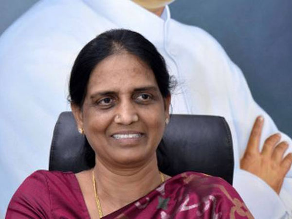 Sabitha Indra Reddy and Karthik Reddy may join TRS
