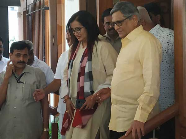 BJP To Back Sumalatha Ambareesh Contesting As Independent From Mandya In Karnataka