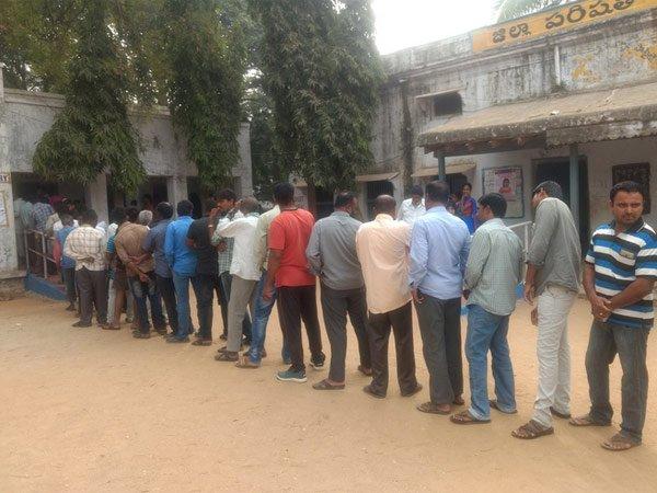 పంచాయితి డిపాజిట్ ల కోసం ,''ఓ స్త్రీ రేపు రా'' అంటున్న అధికారులు