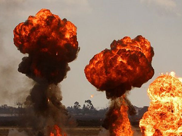 bomb attacks between congress and trs in nalgoda