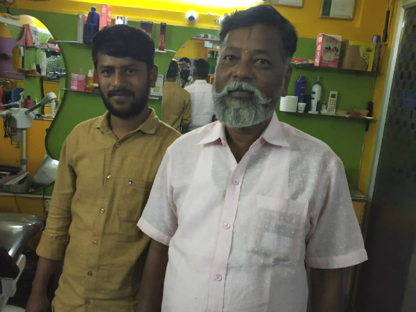 Lok Sabha Elections 2019 : Free haircut and shaving by Bengaluru barber Srinivas and his sons.