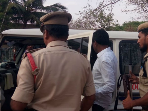 Pavans Janasena candidate smashes EVM in AP and arrested
