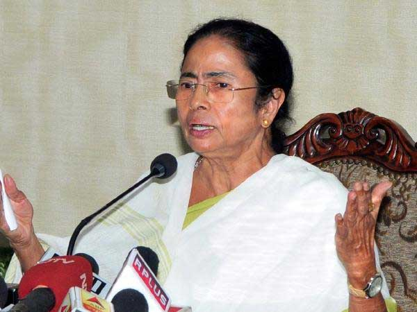 Modi ruling India by the decree of fear,mamta supports Kanimozhi