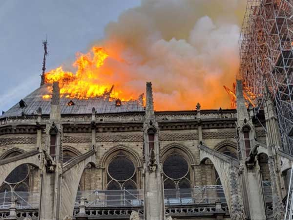 Notre-Dame Fire Investigators Focus on Short-Circuit and Cigarettes
