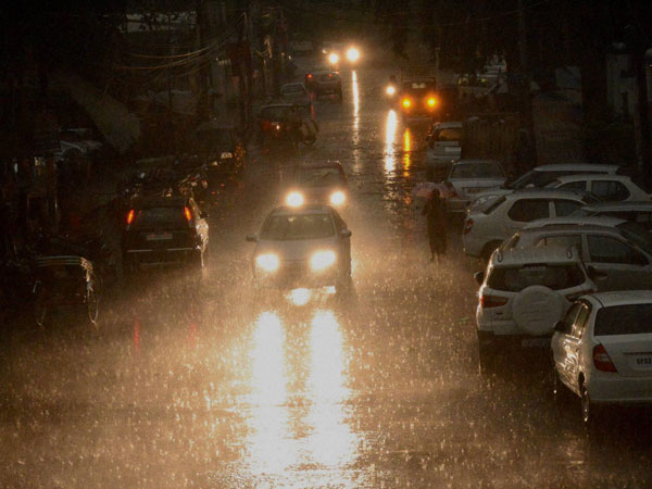 in hyd rain : some places power cut