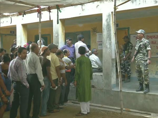 Fourth Phase of 2019 Lok Sabha elections polling is ongoing