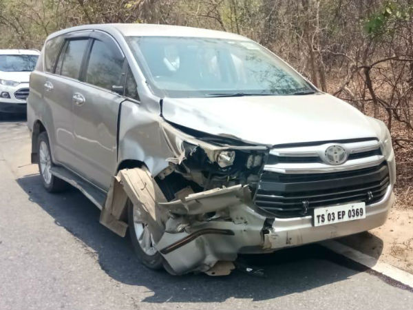 MLA Seethakkas vehicle stumbled a bike a little girl died.. parents injured