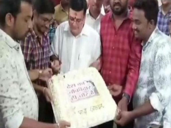 Anand Paranjpe NCP leader celebrates birthday in a different way