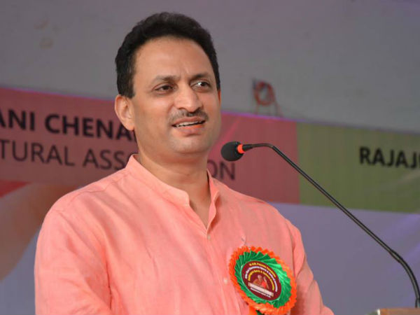 Why did Maneka and Ananth Kumar Hegde failed to secure cabinet berth ?