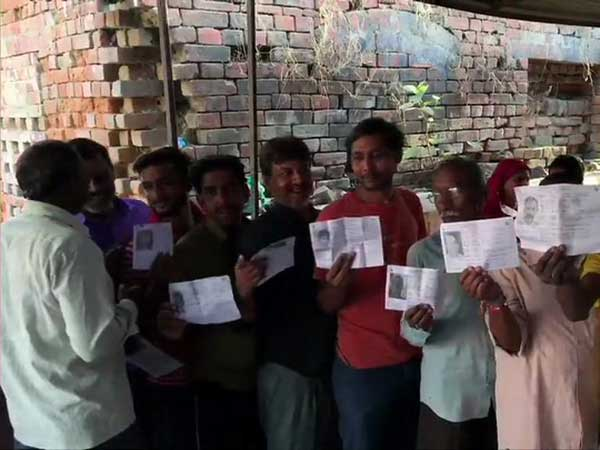 evms not working properly in some polling booths in amethi segment