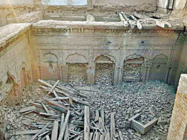 Four Hundred years historical Gurunanak Palace demolished in Pakistan
