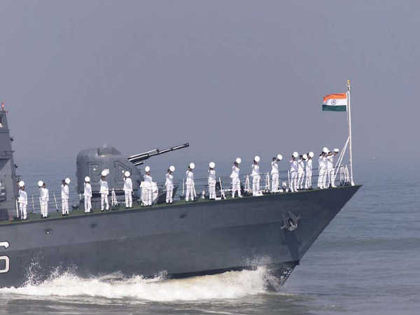Indian Navy recruitment 2019 apply for 121 Pilot,Observer Post