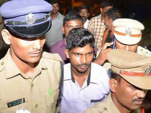 Srinivas,accused in Jagans attack case released on bail