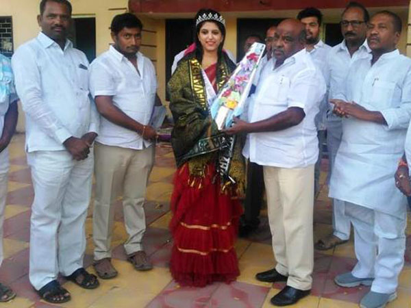 adilabad woman stands as runner up in misses india competition