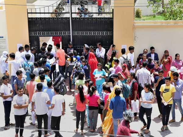నీట్ పరీక్ష 2019: కటాఫ్ మార్కులు ఇవే...ఈ ప్రశ్నలు చాలా కష్టంగా వచ్చాయి