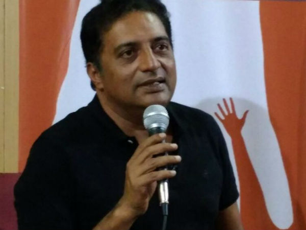 prakash raj leave counting center becoz bjp candidate lead