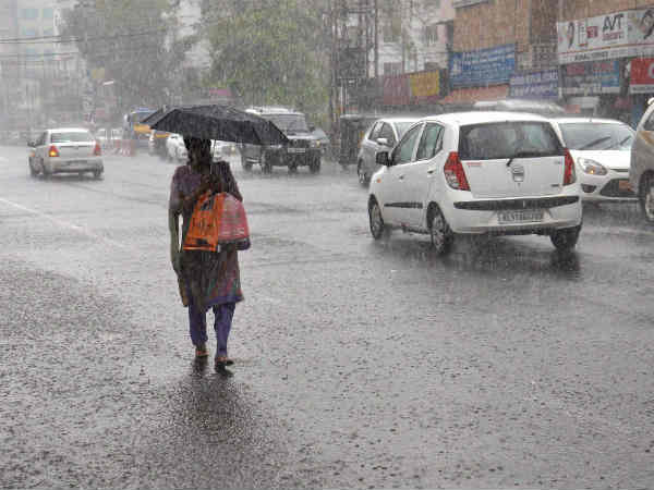 హైదరాబాదులో పలుచోట్ల ఈదురుగాలులతో కూడిన వర్షం