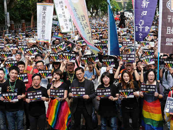Taiwnan creates history in Asia by passing same sex marriage bill in Parliament