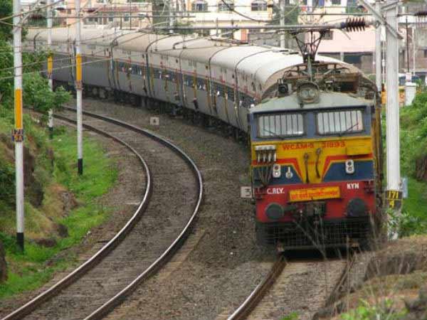 విజయనగరం టు భద్రక్: బోసిపోయిన కోస్తా: 103 రైళ్లు రద్దు!