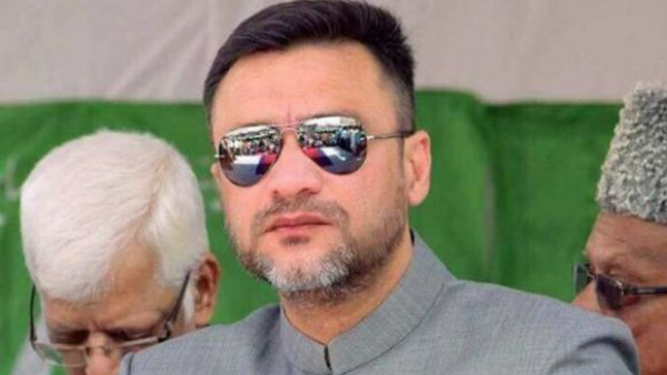 MIM Leader Akbaruddin owaisi moved to london for better treatment