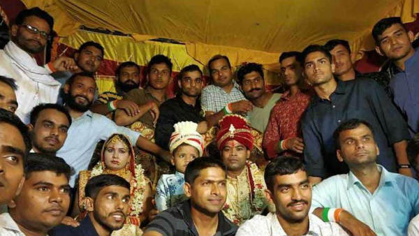 At Wedding Of Soldier S Sister 50 Iaf Commandos Give An Emotion Farewell