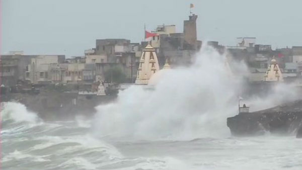 Strong winds, dust hit Somnath temple; Ahmedabad-Porbandar flights cancelled