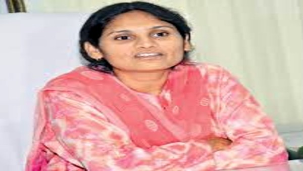 vikarabad collector ayesha admitted his daughter in Minority residencial School
