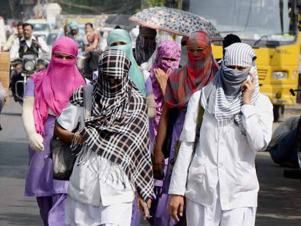Severe heat waves to hit Delhi,warns weather department