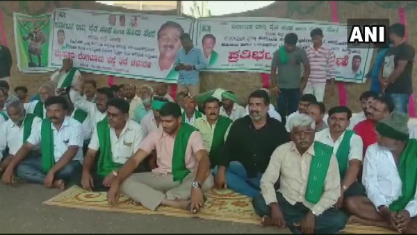 The farmers protest continued in Mandya in Karnataka