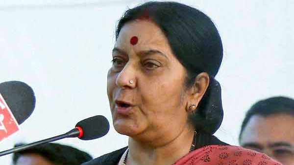 Sushma swaraj vacates her official residence,wins netizens hearts