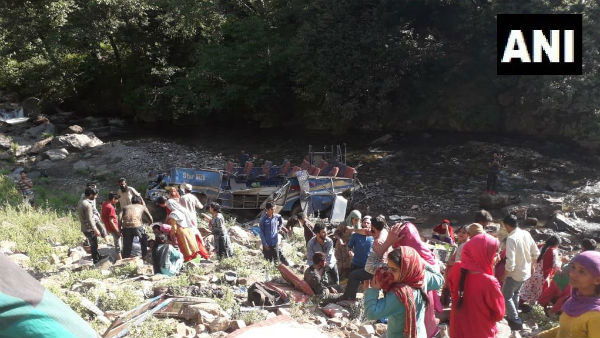 35 Killed, a mini bus fell into a gorge in Jammu and Kashmir