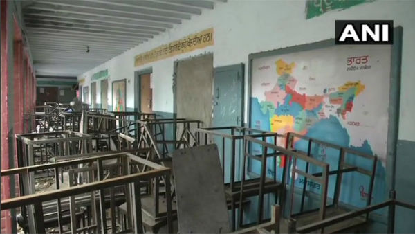 students study outside evms place in classrooms