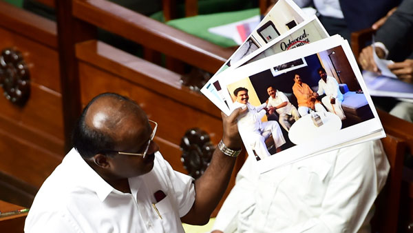 Karnataka speaker summons 12 rebel Congress MLAs tomorrow