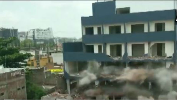 illegal building demolished in indore by municipal officials