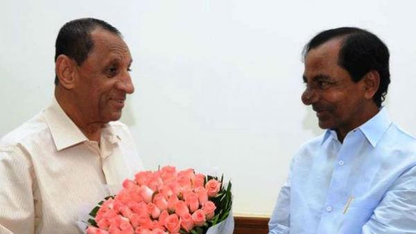 తెలంగాణలో గవర్నర్ మార్పు..? నరసింహన్తో కేసీఆర్ భేటీ