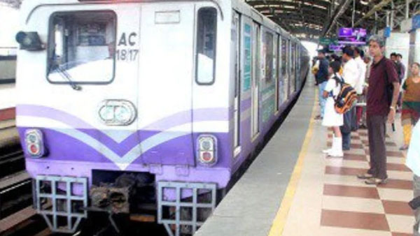 Kolkata Metro Passenger Dies As Hand Stuck In train Door