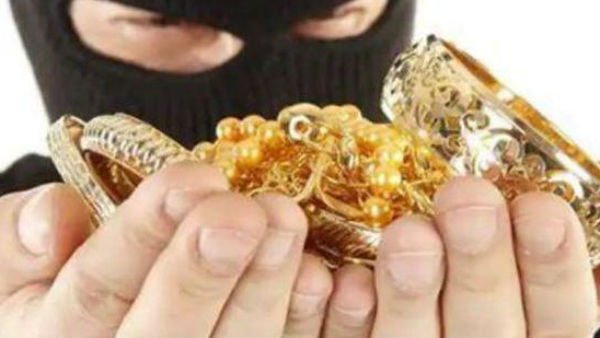 Manager steals 58 kg gold from his own jewellery shop and arrested
