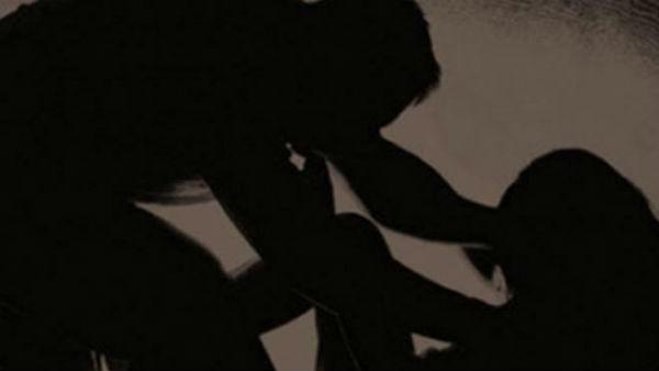 దళిత యువతి గోళ్లు పీకీ... పోలీసుల అత్యాచారం...! సీఐతోపాటు 6గురి పోలీసుల సస్పెషన్