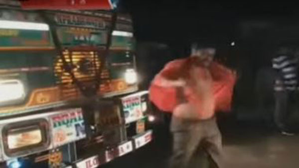 A Person taken full of alcohol and create nuisance at main road in warangal district