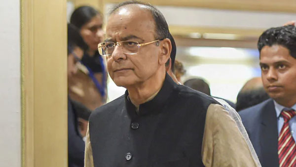 Former Union Minister Arun Jaitleys continued to be life support system,visits top leaders