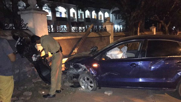 Kerala IAS officer drives car after drunk,journalist killed in accident